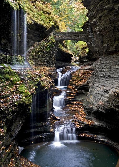 25 Beautiful Photos of Waterfalls