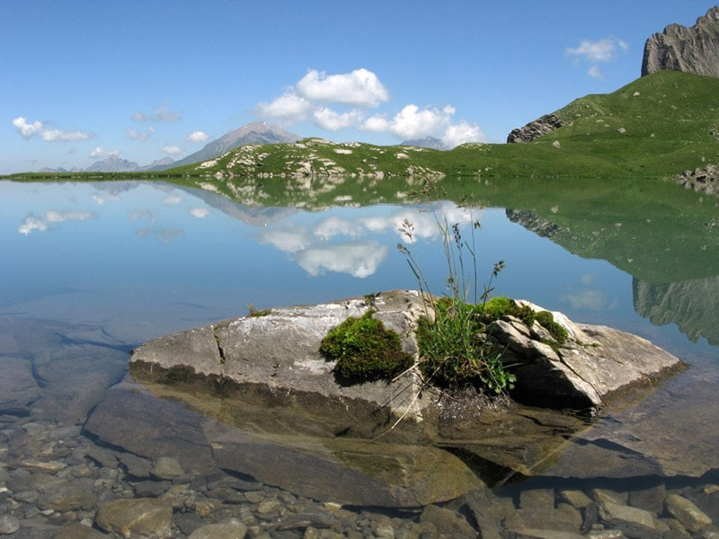 "mountain-lake ""Flueseeli"" near Lenk"