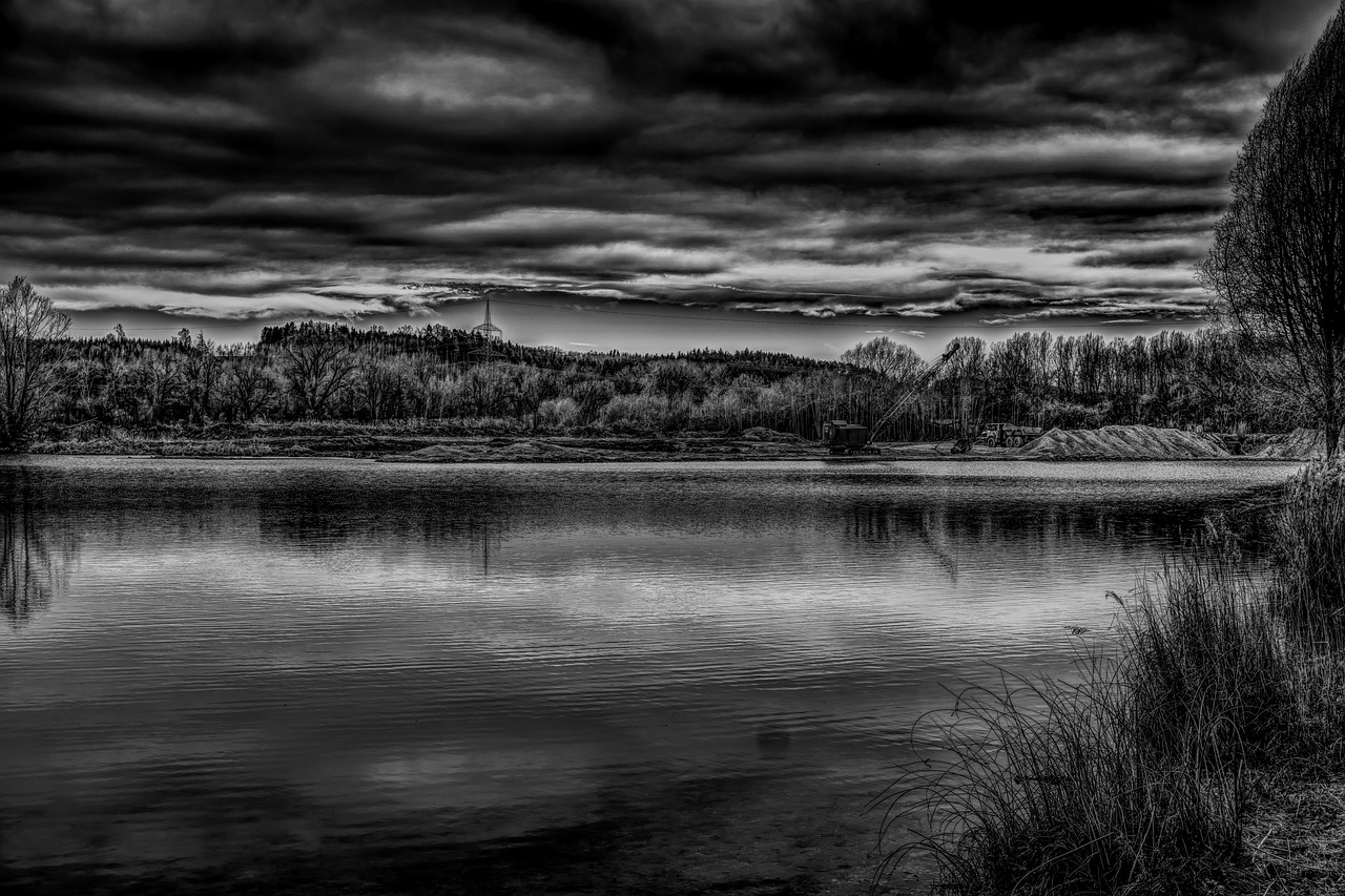 How to Use Low-key Monochrome Landscape Photography