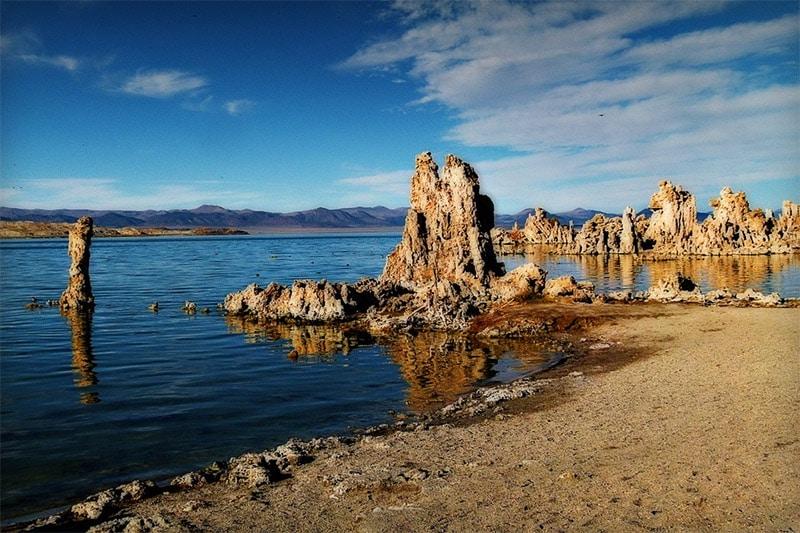 Mono Lake by werner22brigette / Pixabay License