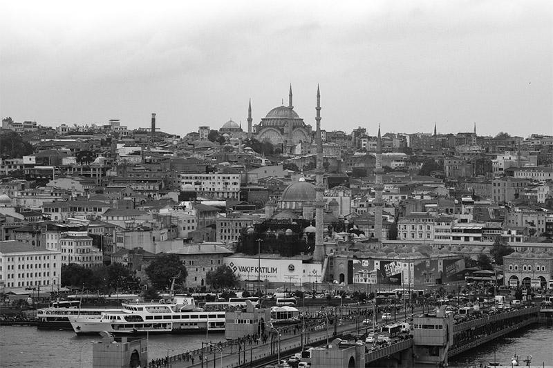 Istanbul Skyline by Ben Kerckx / Pixabay License