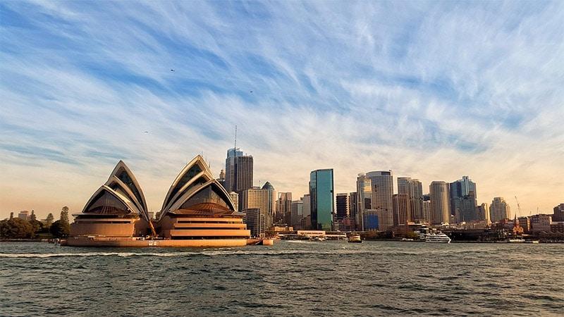 Sydney Skyline by Simon / Pixabay License